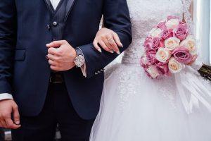 חליפה ושמלה לחתונה
